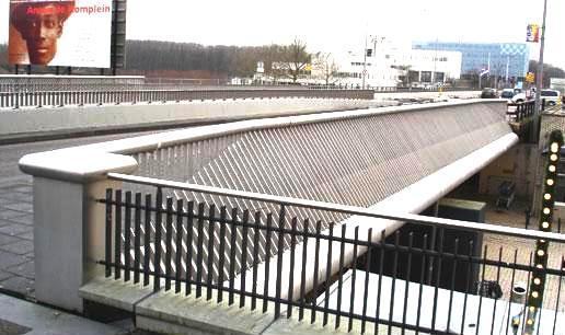 de brug over de Vlierbosdreef te Amsterdam in gereedheid. Gefabriceerd door Vconsyst Engineering B.V. Gorredijk.